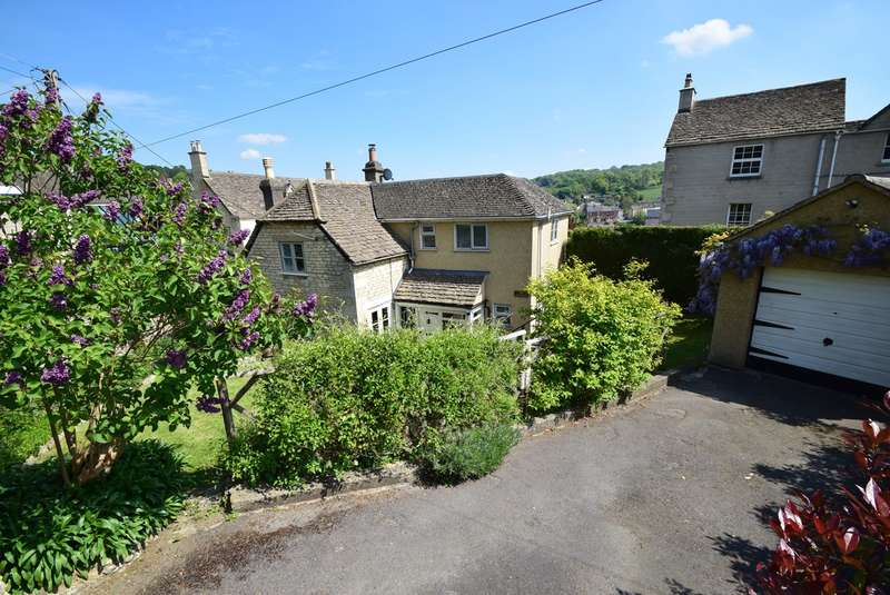 3 Bedrooms Detached House for sale in Chestnut Hill, Nailsworth, Stroud, GL6