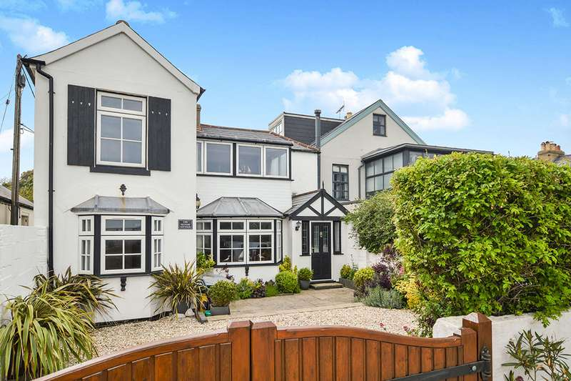 3 Bedrooms Semi Detached House for sale in Wellington Parade, Kingsdown, Deal, Kent, CT14