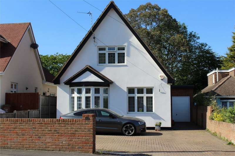 4 Bedrooms Detached House for sale in Durham Road, Wigmore, Gillingham, Kent