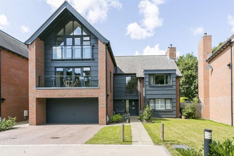 6 Bedrooms House for sale in Woodland Gate Walk, Leybourne, West Malling