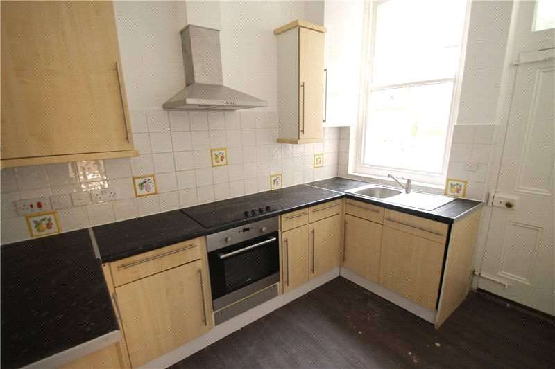 1 Bedroom House for rent in High Street, Chatham, Kent, ME4