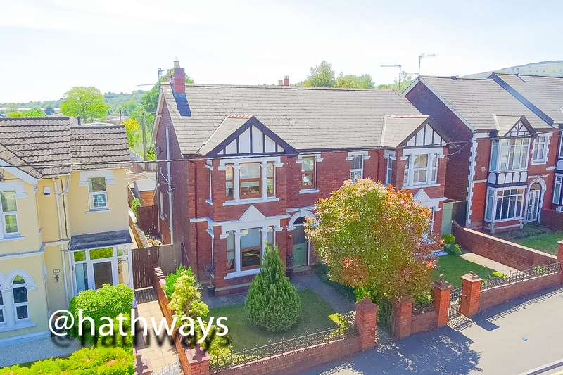 3 Bedrooms Property for sale in Station Road, Pontnewydd, Cwmbran