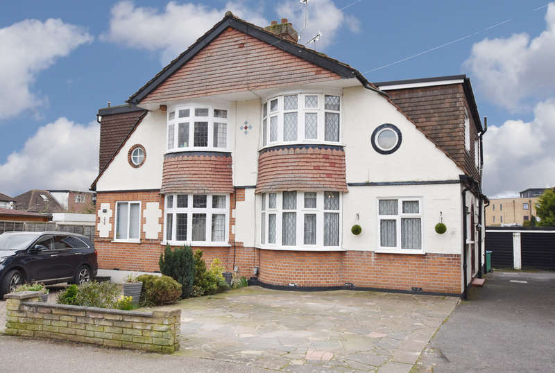 4 Bedrooms Semi Detached House for sale in Spring Gardens, Watford