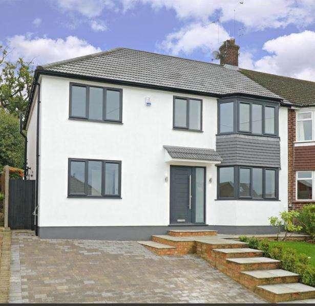 4 Bedrooms House for sale in Lullington Garth, Borehamwood