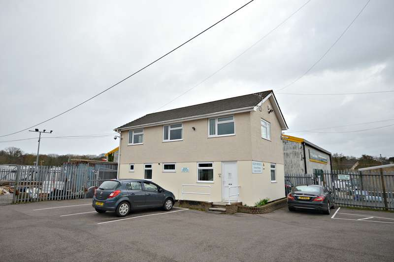Property for rent in Station Road, Cwmbran