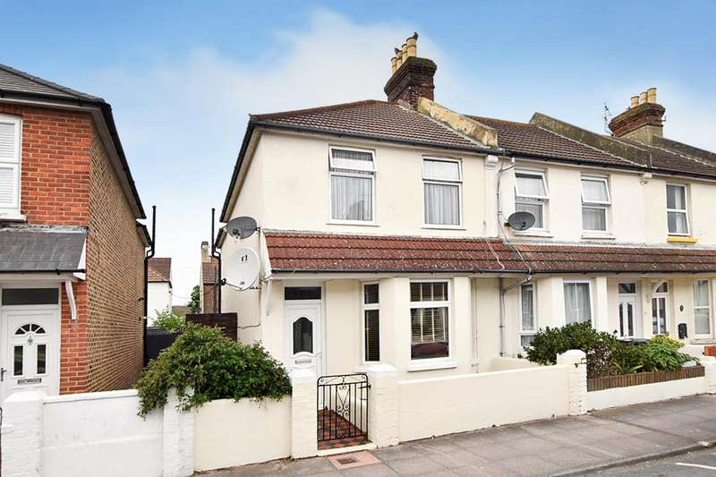3 Bedrooms End Of Terrace House for sale in Latimer Road, Eastbourne