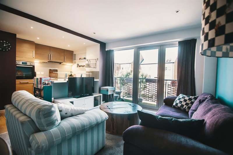 2 Bedrooms Flat for sale in Trinity One, East Street, Leeds, LS9 8AE