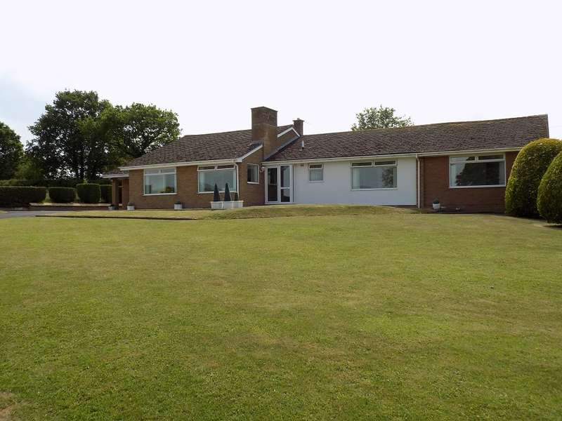 5 Bedrooms Detached Bungalow for sale in Ghyll Road, Scotby, Carlisle, CA4 8BT
