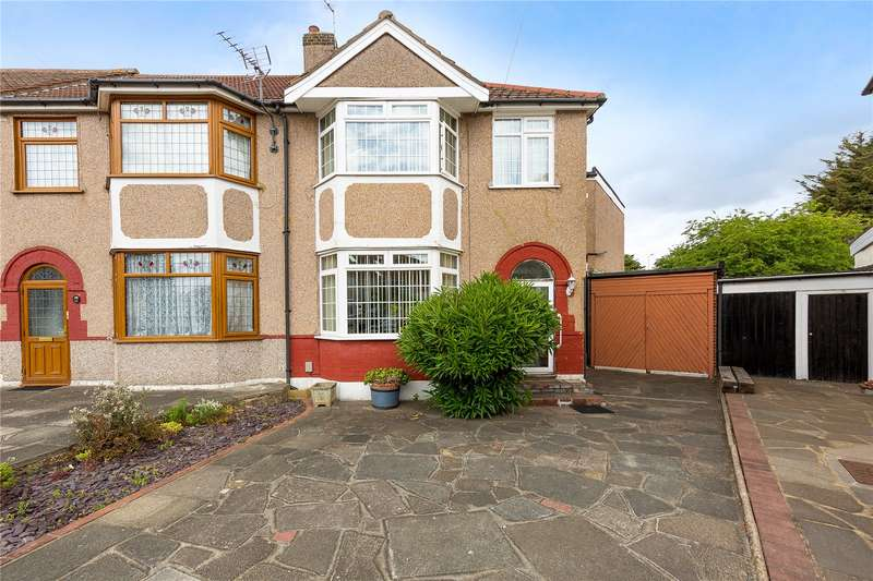 4 Bedrooms House for sale in Rom Crescent, Romford, RM7