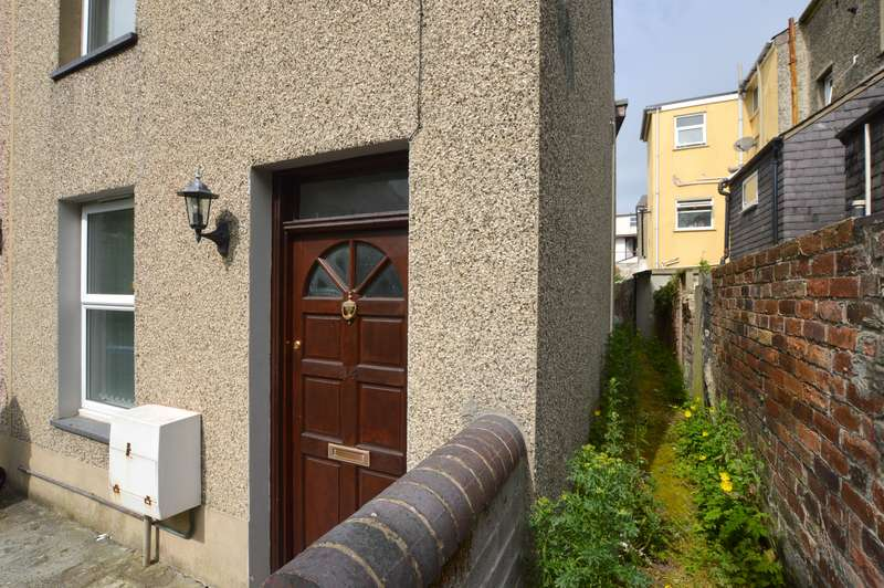 3 Bedrooms Terraced House for sale in The Crescent, Bangor, Gwynedd, LL57