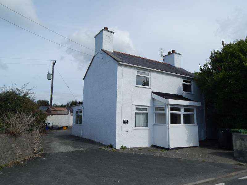 3 Bedrooms Detached House for sale in Pentre Berw, Gaerwen, Anglesey, LL60