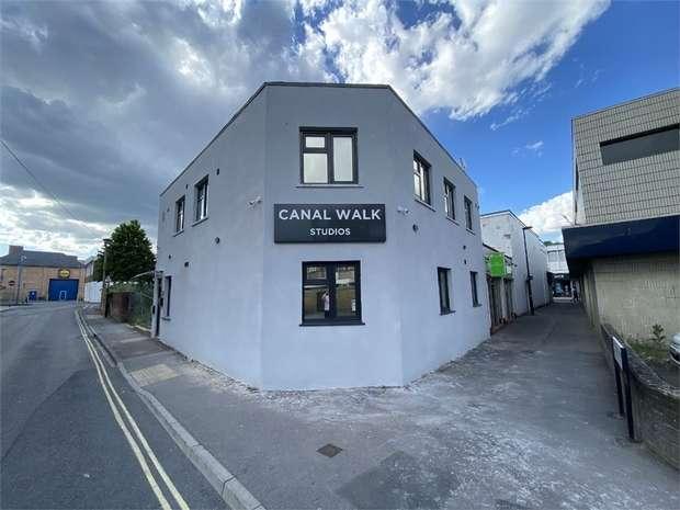 Studio Flat for rent in Elias Hotel Ltd, Canal Walk, SOUTHAMPTON, Hampshire