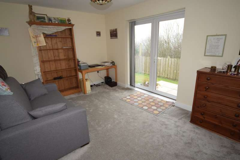 2 Bedrooms Detached Bungalow for sale in Rusland Drive, Dalton-in-Furness