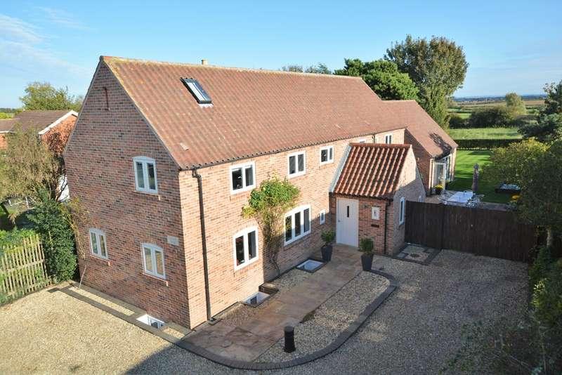 5 Bedrooms Detached House for sale in Chapel Yard, Woods Lane, Flintham