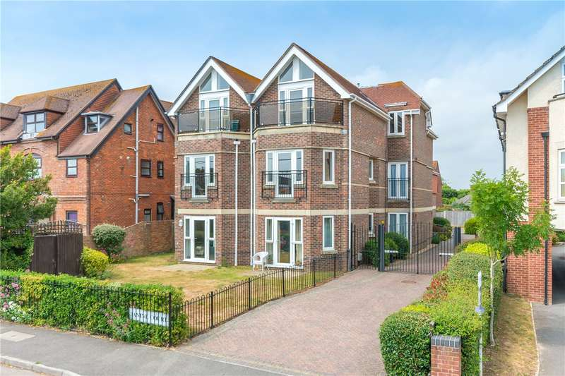 3 Bedrooms Flat for sale in Janine Court, 57 Keyhaven Road, Milford On Sea, SO41