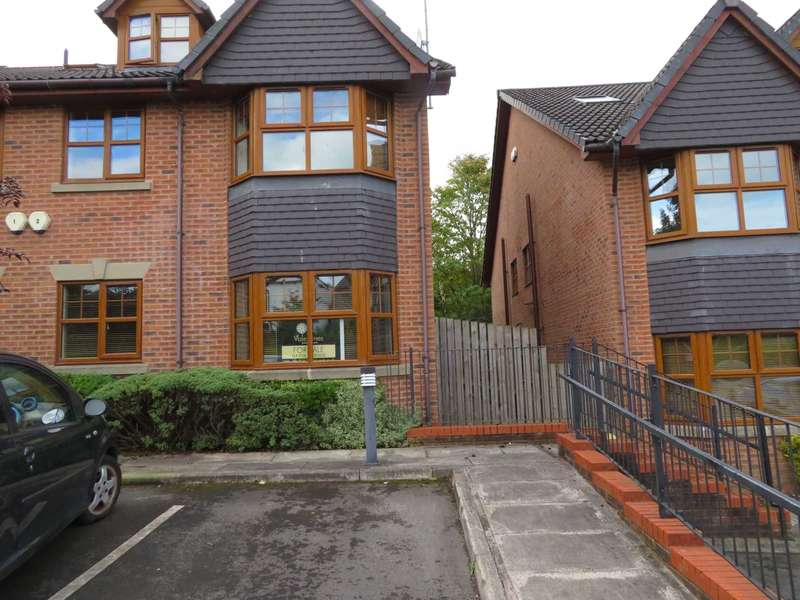 2 Bedrooms Apartment Flat for rent in Broadview Court, Burnedge