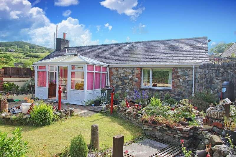 2 Bedrooms House for sale in Clwt-Y-Bont, Caernarfon, Gwynedd, LL55