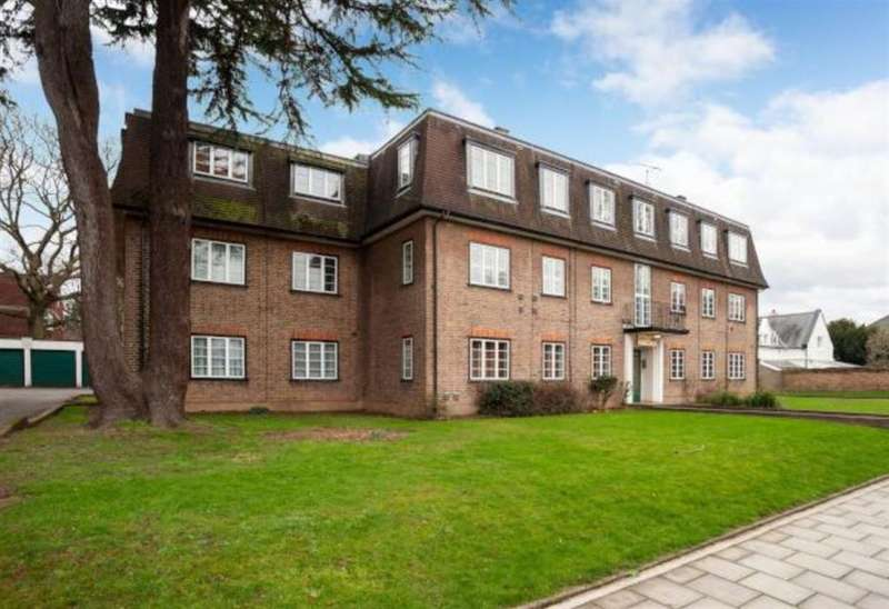 3 Bedrooms Flat for sale in Church Road, TW7