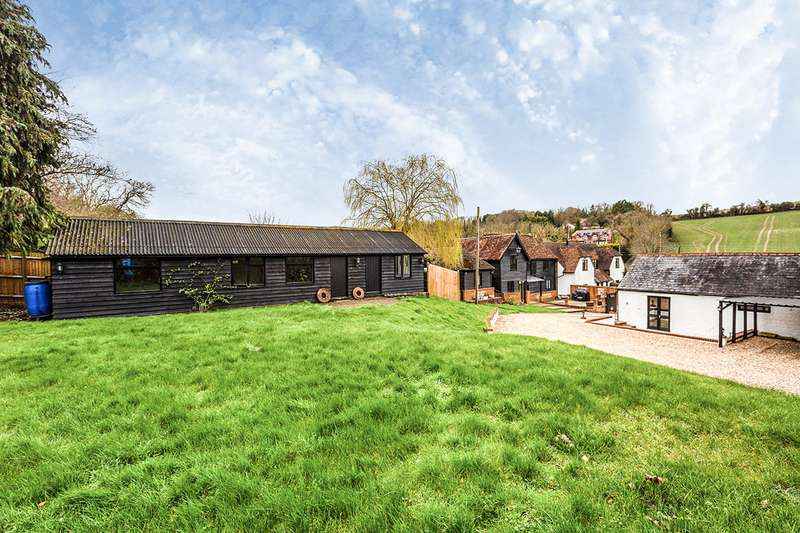 4 Bedrooms Detached House for sale in Scudders Farm, Valley Road, Fawkham, Kent, DA3