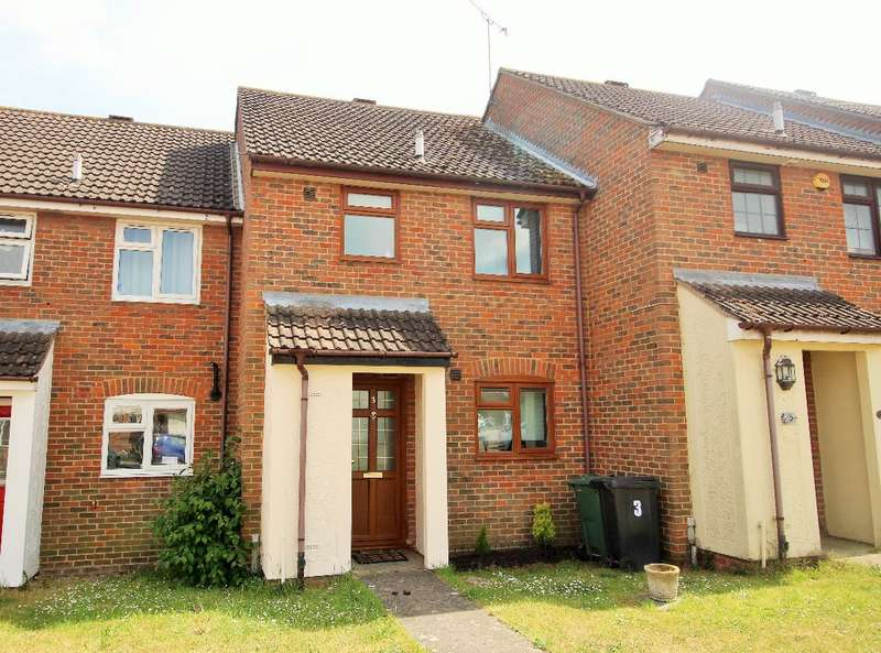 2 Bedrooms Terraced House for sale in Snowdrop Close, Witham