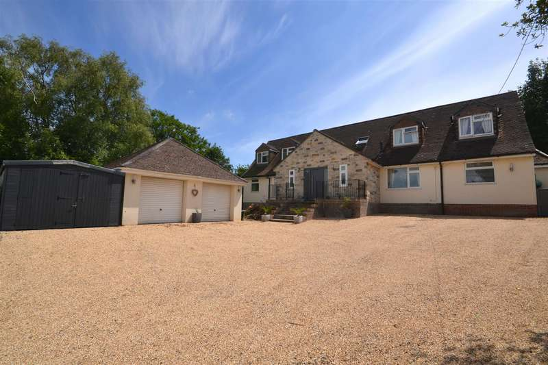 5 Bedrooms Detached House for sale in High Street, Puddletown, Dorchester