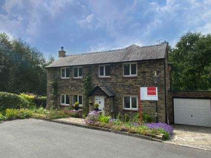 3 Bedrooms Detached House for sale in Early Bank, Stalybridge, Greater Manchester, United Kingdom