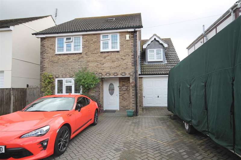5 Bedrooms Detached House for sale in Feverills Road, Little Clacton