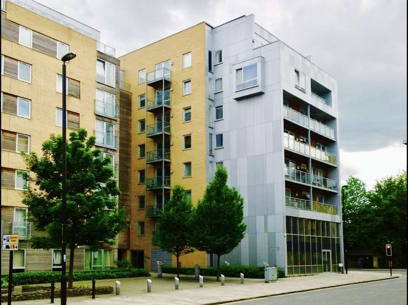 2 Bedrooms Property for rent in High Street, City Centre SO14