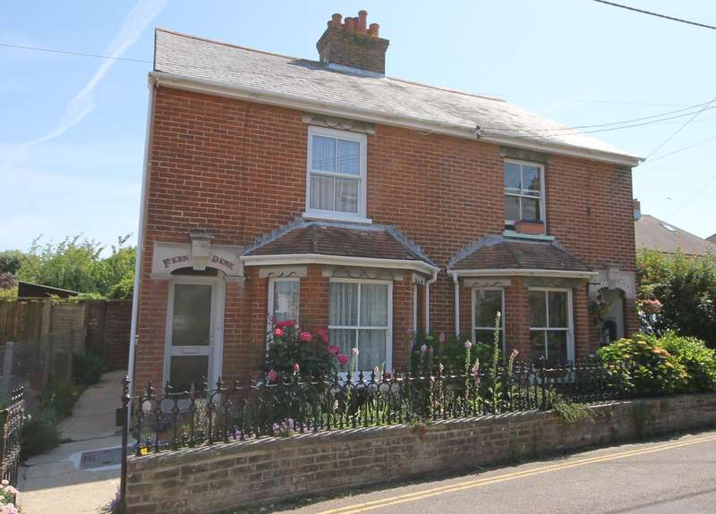 3 Bedrooms Semi Detached House for sale in Yarmouth, Isle of Wight