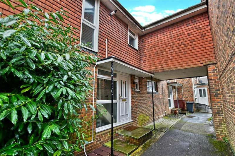 3 Bedrooms Terraced House for rent in Fotherby Court, MAIDENHEAD, SL6
