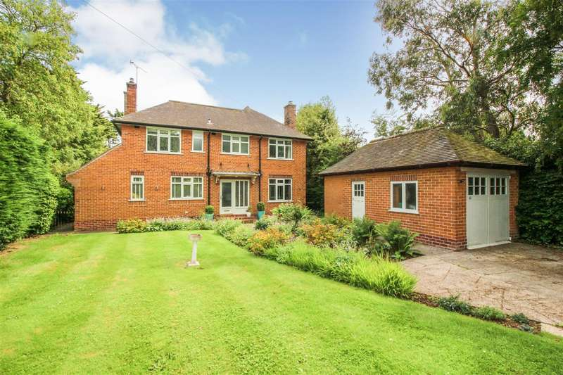 4 Bedrooms Detached House for sale in Eastgate, Hornsea, Hornsea