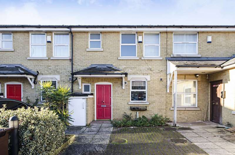 3 Bedrooms Terraced House for rent in Clifden Mews, Clapton, E5