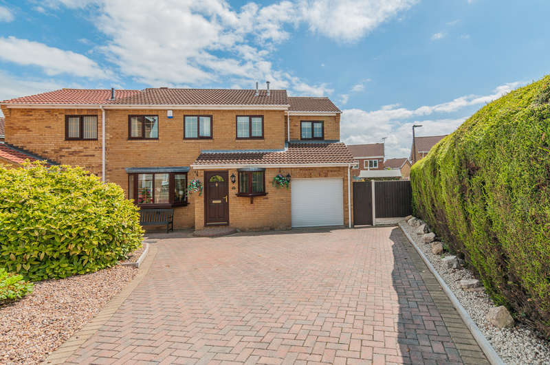 4 Bedrooms Detached House for sale in Aviemore Road, Doncaster