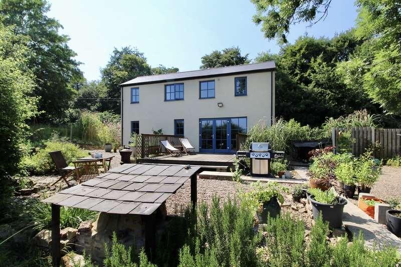3 Bedrooms Detached House for sale in Cinder Bridge Road, Rotherham, South Yorkshire, S61