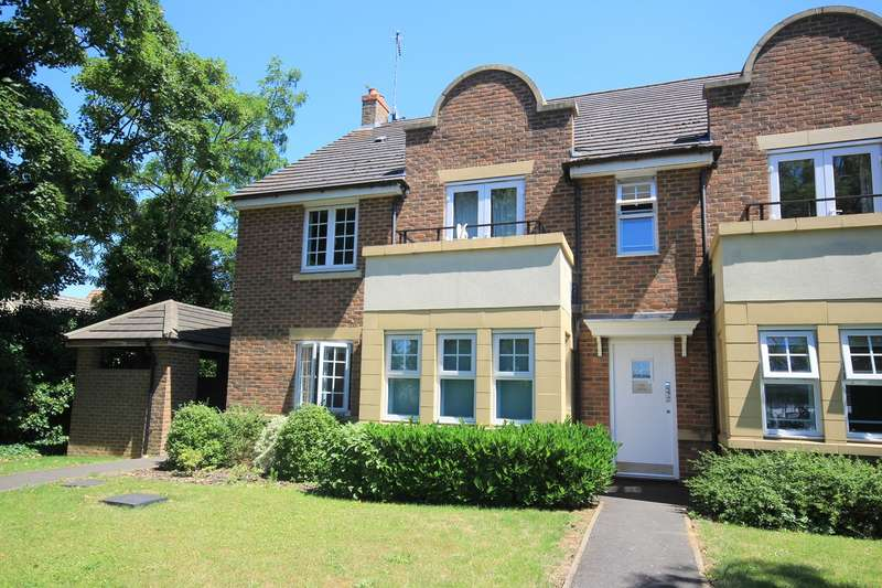 2 Bedrooms Apartment Flat for sale in The Hawthorns, Flitwick, MK45