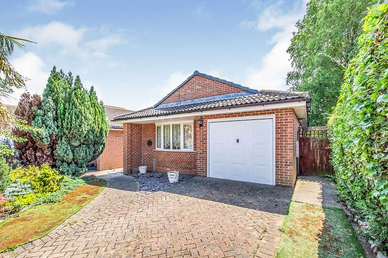 2 Bedrooms Detached Bungalow for sale in Button Drive, Lower Stoke, Rochester, Kent, ME3