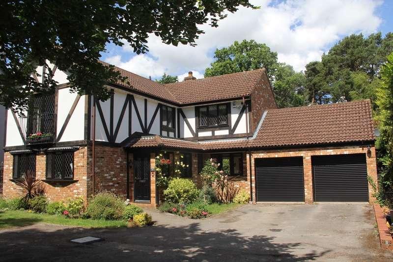 4 Bedrooms Detached House for sale in Ellis Road, Crowthorne