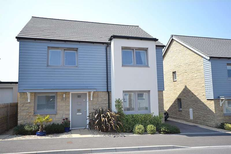 4 Bedrooms Detached House for sale in Churchill Rise, Axminster