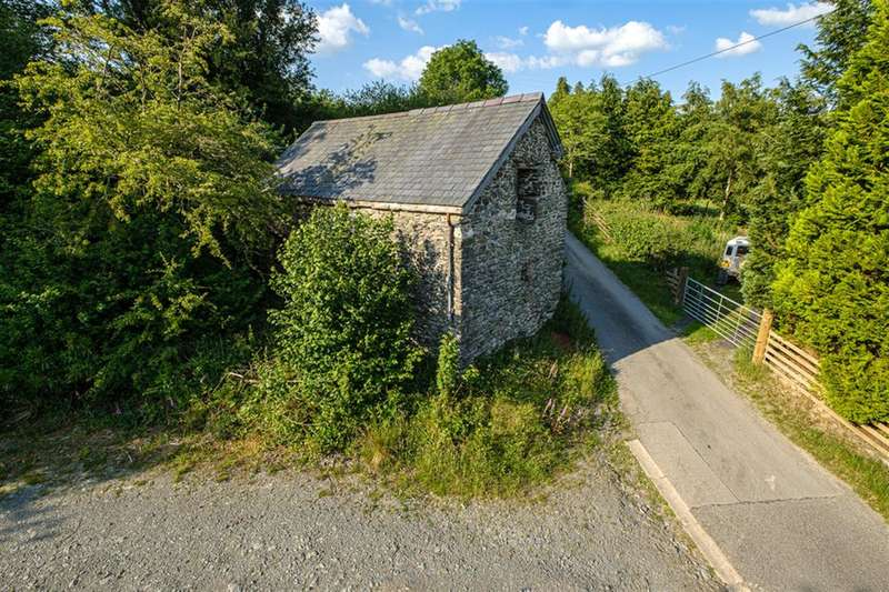 2 Bedrooms Barn Conversion Character Property for sale in Pant-y-Dwr, Rhayader, LD6 5LR