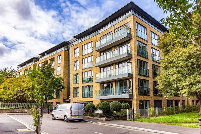 2 Bedrooms Flat for sale in St. Williams Court, Gifford Street, London, N1
