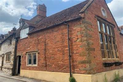 2 Bedrooms House for rent in Southam Street, Kineton