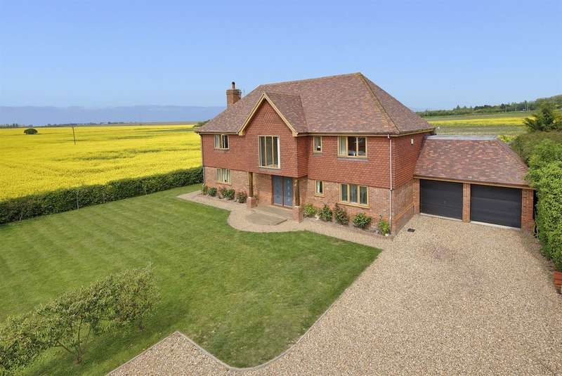 5 Bedrooms Detached House for sale in Collards Close, Monkton, Ramsgate