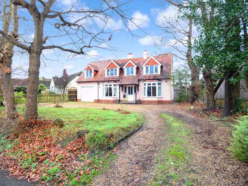 4 Bedrooms Property for sale in 35 Crofton Lane Hill Head, Fareham