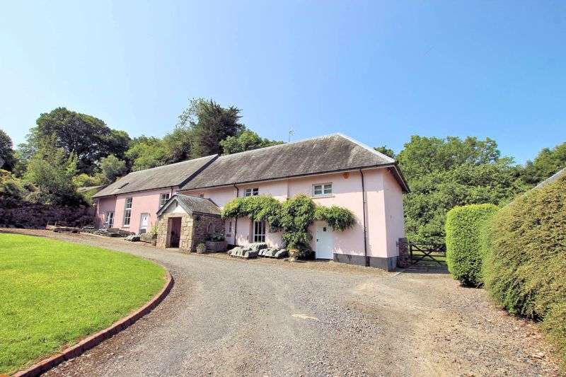 5 Bedrooms Property for sale in CHARMING PERIOD FARM HOUSE NEAR TO TOWN CENTRE - OKEHAMPTON