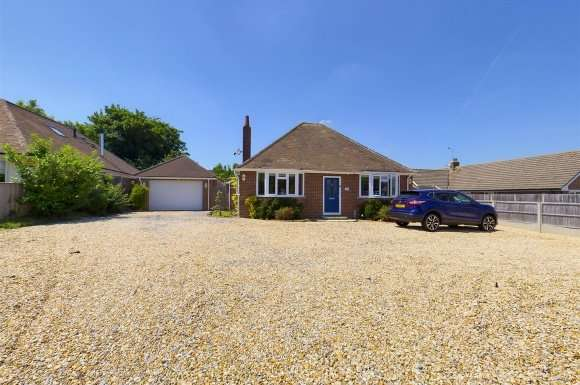 3 Bedrooms Property for sale in Byfleet Avenue, Old Basing, Basingstoke