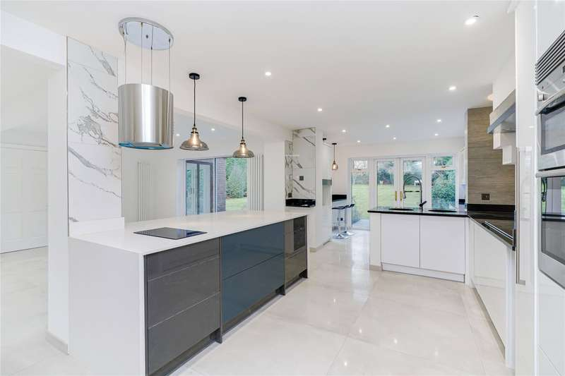 6 Bedrooms Detached House for sale in The Gardens, Esher, Surrey, KT10