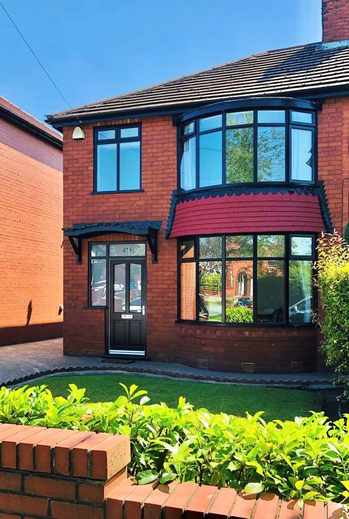 3 Bedrooms Semi Detached House for sale in 475 Burnley Lane, Chadderton