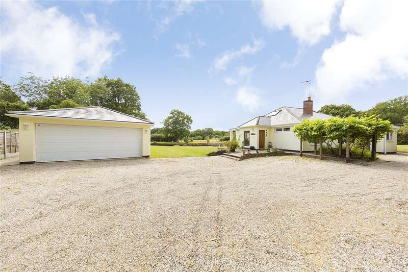 5 Bedrooms Detached House for sale in Wyatts Green Road, Wyatts Green, Brentwood, Essex, CM15