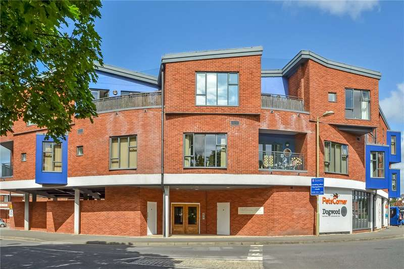 2 Bedrooms Flat for sale in Millstream House, Dukes Mill, Broadwater Road, Romsey, SO51