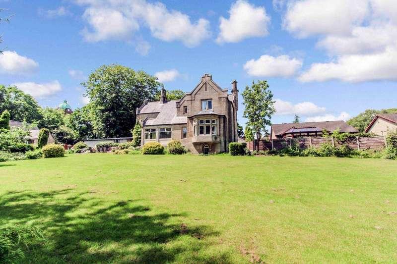 5 Bedrooms Detached House for sale in Blackburn Road, Bolton